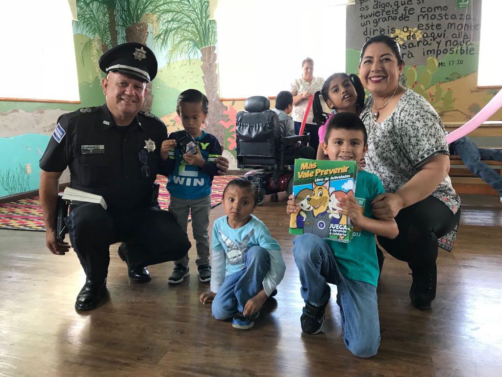 Brindan platicas a niños y niñas en Playas de Rosarito: PF y asociacióncivil.