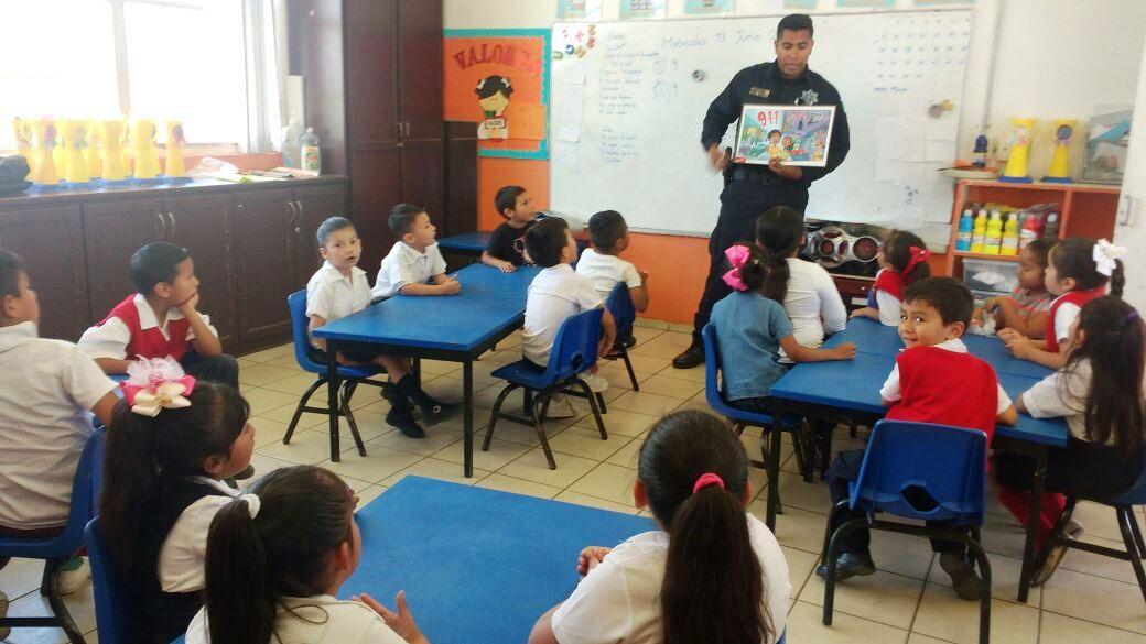 Alumnos de preescolar asisten a pláticasDARE