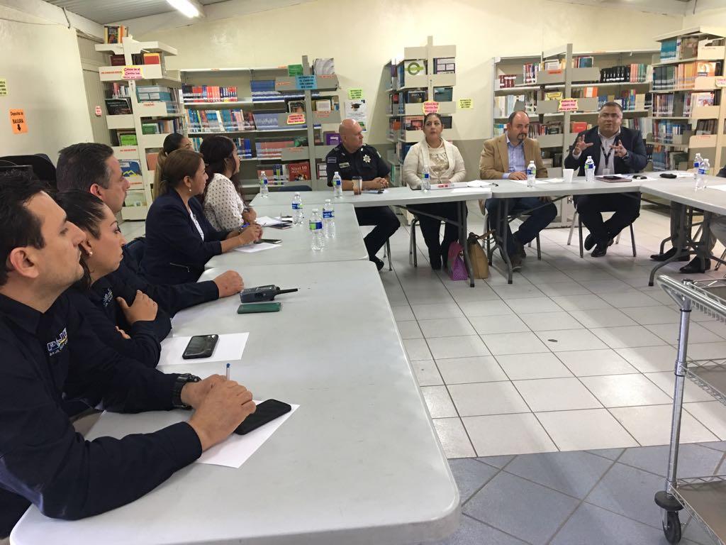 Instalan Mesa de trabajo para atender seguridad de estudiantes en Playas deRosarito.