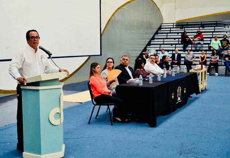 Sostienen reuniones PGJEBC, autoridades académicas y padres familia de la Preparatoria Federal LázaroCárdenas.