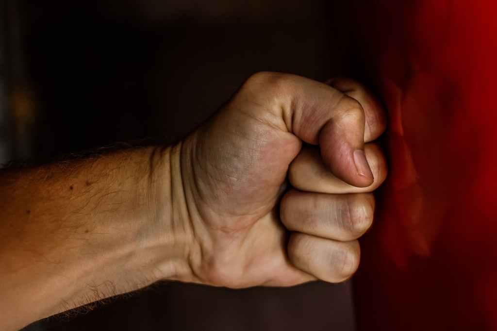 fist-blow-power-wrestling-163431.jpeg